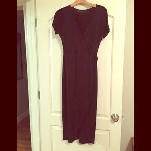 Dresses & Skirts - Black faux wrap dress